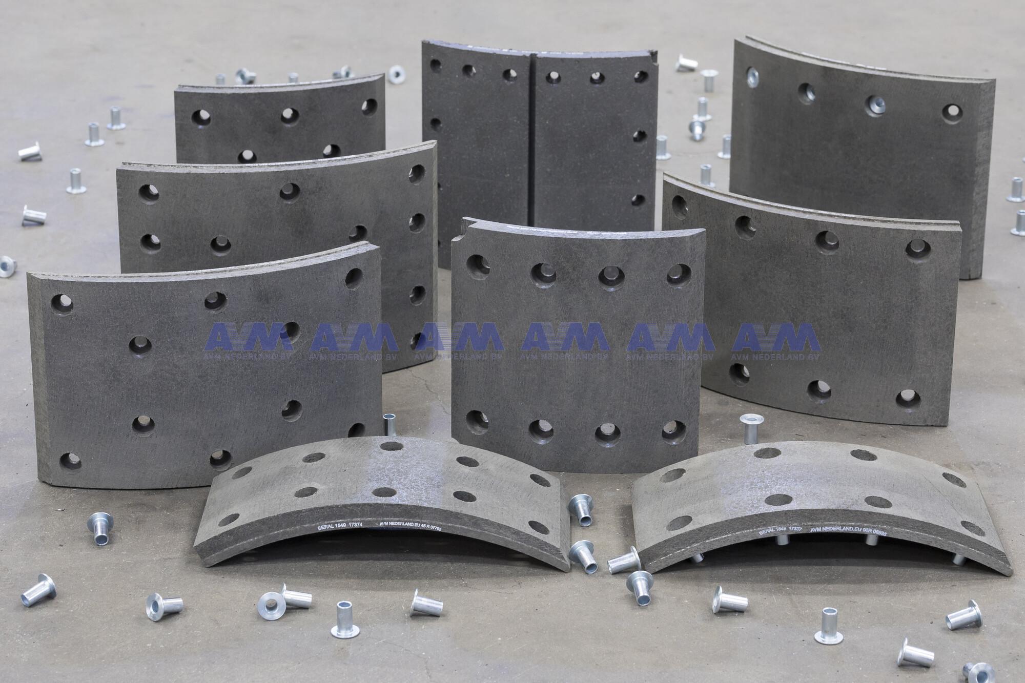 Remvoering 410x180 mm - 8 gaten 13.057.851 Wabco